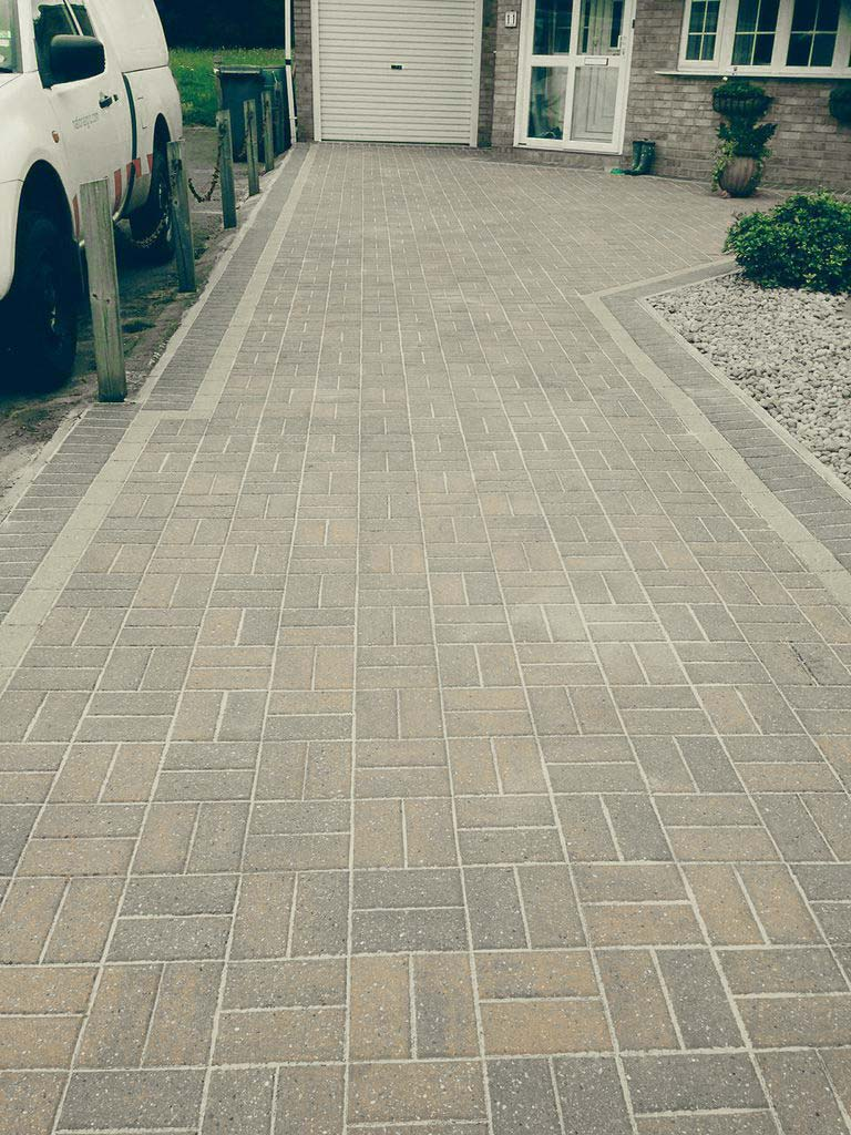 how to clean pebblecrete driveway